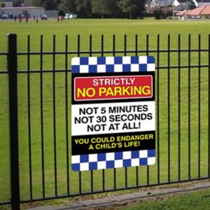 strictly no parking sign pic