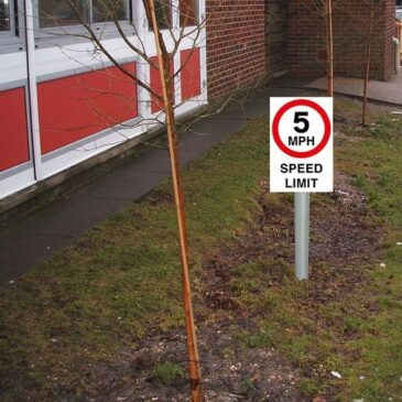 5mph-speed-limit-sign-fitting-requirements-400mm-x-266mm-2.5m-aluminium-post-1751-p