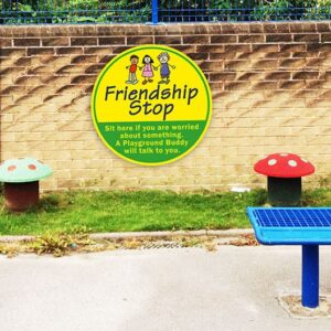 Friendship Stop - A Playground Buddy will Talk to You