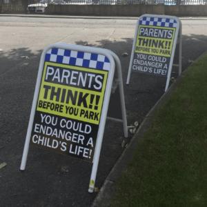PARENTS THINK CHILD SAFETY Pavement safety sign alternate image